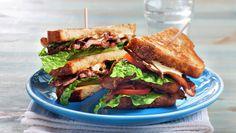 Sats paa enkle men smakrike retter i hoestferien - Søk Wrap Sandwiches, Scones, Lettuce, Bacon, Food Porn, Dinners, Dinner Parties, Food Dinners, Salad