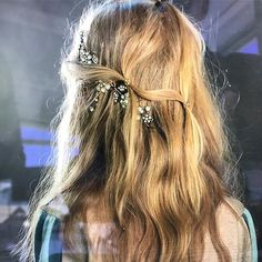 Natural looking texture is king right now but a little bit of bling is never far away love a bit of sparkle #lovekm #hairstyles #hairproduct #kevinmurphyproducts #love #jewels
