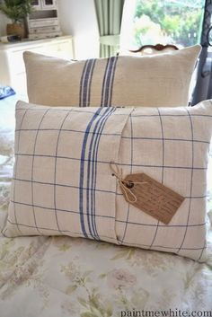 Sewing Ideas Using Vintage Linens . Living Vintage, Creation Deco, Idee Diy, Grain Sack, Linens And Lace, How To Make Pillows, French Decor, Retro, Tea Towels