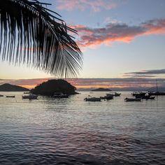 Buzios Pink Sky | Rio de Janeiro, Brazil - Cheap Backpacking Ideas | Hibiscus & Nomada Backpacker Travel Guides