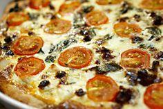Viisi parasta piirakkaa pikkujouluihin - näitä reseptejä meiltä on toivottu - ESS.fi Xmas Party, Pepperoni, Pizza, Food, Meals, Yemek, Eten