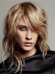 20 ideas for modern shag haircut. Top 20 ideas to style your shag haircuts. Super cool and universal shaggy haircuts for girls. Medium Shag Haircuts, Haircuts For Wavy Hair, Shaggy Haircuts, Long Layered Haircuts, Hairstyles With Bangs, Cool Hairstyles, Layered Hairstyles, Blonde Hairstyles, Hairstyles 2016