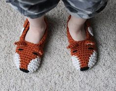 View all Mamachee Patterns here: www.mamachee.etsy.com  **This listing is for an instant download PDF crochet pattern**  Crochet a fun pair of slingback slippers for yourself, a friend, or to sell!!  Pattern includes directions for a little bow as well. This pattern includes the following sizes: Bonus child size (12-13) Woman sizes 3-12  Skill level: Easy. Written in American English crochet terms  Basic needs for Pattern: K hook and Worsted weight Cotton    Once payment is cleared, etsy…