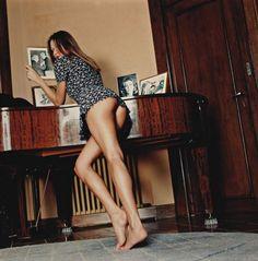 Helmut Newton: Carla Bruni
