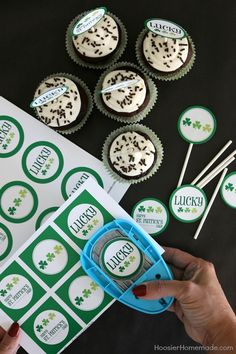 St. Patrick's Day Party Printables - these FREE Printables include a Lucky Banner, Cupcake Toppers, Drinks Flags and Treat Bag Toppers! Pin to your St. Patrick's Day Board!