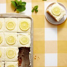 Sweet Tea-and-Lemonade Cake - Party-Perfect Sheet Cake Recipes - Southernliving. Recipe: Sweet Tea-and-Lemonade Cake Feeling rowdy? Spin this into a tipsy cake by substituting up to 2 Tbsp. vodka or bourbon for the lemon juice in the frosting. 13 Desserts, Delicious Desserts, Dessert Recipes, Potluck Recipes, Picnic Desserts, Lemon Desserts, Party Recipes, Holiday Desserts, Dessert Ideas