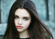 India Eisley as Lena Duchannes from Beautiful Creatures (She would have made a better Lena in the movie. For starters she actually LOOKS like the character) India Eisley, Pretty People, Beautiful People, Beautiful Women, Girls Characters, Female Characters, Olivia Hussey, Female Character Inspiration, Model Foto