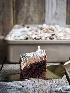 One pot wonder - lettvint gryterett - Mat På Bordet One Pot Wonders, Samosas, Dessert Recipes, Desserts, Frittata, Let Them Eat Cake, Chocolate Cake, Nom Nom, Spicy