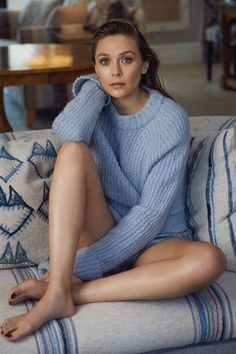 Elizabeth Olsen young photos best and new movies tv shows early acting career body measurements height weight hair color. Elizabeth Chase Olsen, Elizabeth Olsen Scarlet Witch, Olivia De Havilland, Beautiful Witch, Beautiful Women, Mary Kate Olsen, Gal Gadot, Blue Sweaters, Beautiful Celebrities