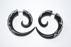 Fake Gauge, Spiral with Fancy Style Bone Inlays, Horn, Tribal Style Ariana Bali,http://www.amazon.com/dp/B00C4DMWGQ/ref=cm_sw_r_pi_dp_-0MKrb48568A4ABA