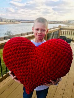 Crochet Heart Boy holding red heart on deck with water - Happy Valentine's Day! I have created a new crochet pattern featuring, you guessed it, a gorgeous (and kinda sexy) amigurumi LOVE heart! Crochet Amigurumi Free Patterns, Easy Crochet Patterns, Free Crochet, Simple Crochet, Knitting Patterns, Baby Boy Crochet Blanket, Crochet Bear, Crochet Pillow, Holiday Crochet