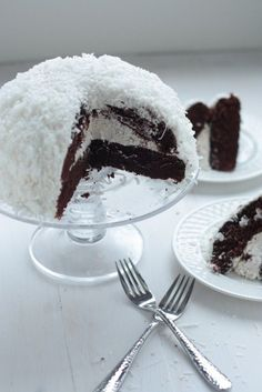 Sno-Ball Cake - just like the mini Hostess kind, but BIGGER and BETTER!