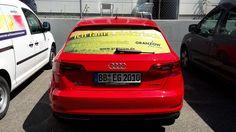 Unser Audi A3 e-tron mit neuem Heckaufkleber. Klar, wir fahren elektrisch. Mit Strom von der eigenen Photovoltaikanlage. Geladen mit einer Mennekes Ladestation.