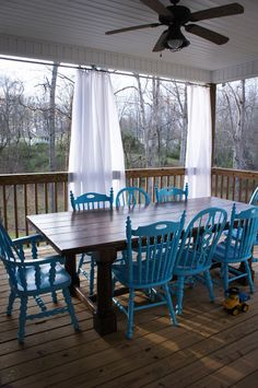 farmtable and blue chairs...LOVE!