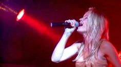 Maud de Korte - coverband partyband feestband Act on Demand. www.actondemand.nl #zangeres #coverband