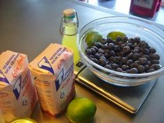 Blauwe bessenconfituur met limoncello