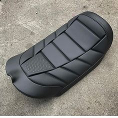 """842 Likes, 16 Comments - The Hog Ring (@thehogring) on Instagram: """"Hats off to @hixdesign on making this incredible #motorcycleseat The perforated #leather section…"""""""