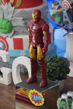 Festa Vingadores - Avengers Party - Uma tema que tem tudo a ver com os meninos! Particularmente adorei todos os doces personalizados no tema Vingadores!