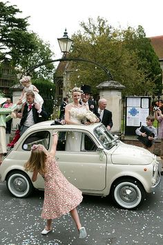 Wedding, happiness, Fiat 500 and rice!