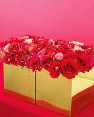 gold vase & roses.