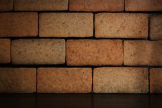 Najlepšie základy domu pochádzajú z tehelne. Wall Wallpaper, Dog Food Recipes, Brick, Stone, Lighting, Wallpapers, Wallpaper, Rock, Dog Recipes
