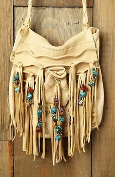 Native American inspired beaded fringe purse. So cute!