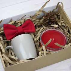 DIY Personalized Gift Basket For Anyone, Girlfriend, Kids, Mom Etc - Owe Crafts Christmas Gift Box, Holiday Gifts, Christmas Crafts, Homemade Gifts, Diy Gifts, Best Gifts, Personalised Gifts Diy, Company Gifts, Client Gifts