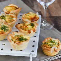 voor ca. Appetizer Recipes, Keto Recipes, Appetizers, Quiche Muffins, Buffet, Mini Quiches, Lunch Snacks, Party Snacks, High Tea