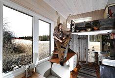Portable house for 5000euros. Henri, 27, rakensi itselleen liikuteltavan talon 5 000 eurolla – sai idean asuessaan sirkusvaunussa
