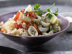 Risotto mit Tintenfischringen - und Spitzpaprikaschoten - smarter - Kalorien: 244 Kcal - Zeit: 40 Min. | eatsmarter.de