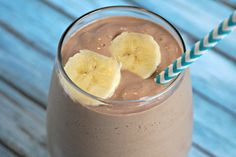 Have I got a fantastic smoothie recipe for you today!  This Chunky Monkey Smoothie recipe is extra creamy and delicious.  Peanut butter, chocolate, and banana………..can you think of a more decadent combination?  I can't.  My favorite part of this recipe is that there is no sugar added.  None!  Seriously.  The sweetness comes from using really …