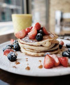 Ontbijten wanneer je wil: 12X all day breakfast - De Buik van Rotterdam Coconut Shrimp, Cauliflower Rice, Rotterdam, Food Styling, Breakfast, Hot, Fashion Women, Foods, Fitness