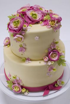 Very pretty cake.  I love this for a cute and simple wedding or bridal or baby shower. :-)