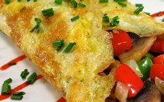 Omelet met champignon en paprika. Lekker ontbijt gerecht voor het weekend, onderdeel van de koolhydraatarme weekmenu's op gobento.nl