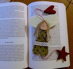 Ancora Angeli e Angeli di tutti i colori a custodire la nostra immaginazione ed alimentare la nostra voglia di sognare!                    ... Christmas Crafts, Christmas Decorations, Christmas Ornaments, Holiday Decor, Felt Brooch, Needle Felting, Bookmarks, Diy And Crafts, Ipad