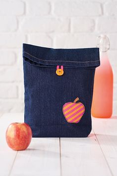 How to refashion a denim lunch bag