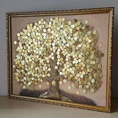 make a gift for a wedding of coins: Coin Crafts, Diy And Crafts, Arts And Crafts, Button Art, Button Crafts, Diy Birthday Gifts For Sister, Glue Art, Coin Display, Coin Art