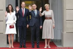 William and Kate's official visit to Poland started today (July 17th, 2017). The royal couple and their two children landed in Warsaw, the country's capital city, shortly after midday local time.