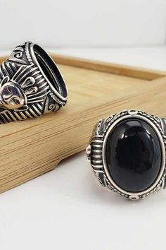 #onyx #ring #jewelry #rings #gold #handmade #wedding #accessories #style #silver Onyx Ring, Handmade Wedding, Wedding Accessories, Jewelry Rings, Gemstone Rings, Rings For Men, Gemstones, Silver, Gold