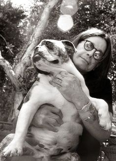 Celebrities with their pets by Christopher Ameruoso. Ozzy Osbourne with his bulldog Chewy. Ozzy Osbourne, Jack Osbourne, Birmingham, Black Sabbath, Famous Dogs, Famous People, Real People, Mans Best Friend, Best Friends