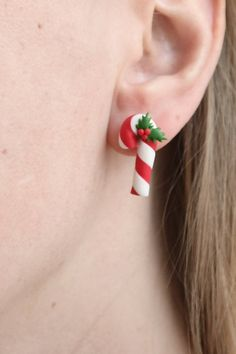 Items similar to Candy Canes – Christmas, handmade, lightweight earrings on Etsy – Candy Cane Polymer Clay Kunst, Cute Polymer Clay, Cute Clay, Polymer Clay Charms, Polymer Clay Projects, Diy Clay, Polymer Clay Earrings, Clay Crafts, Polymer Clay Christmas
