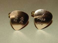 guitar pick cuff links :) Copper Bracelet, Cufflinks, Music Instruments, Guitar, Bronze, Bracelets, Bracelet, Wedding Cufflinks, Bangles