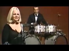 Iggy Pop + Peggy Lee - I Say Passenger La La Fever-- FEVER--- ya give me fever all through the night..