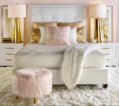 Rose gold bedroom decor - The rose gold color, a mixture of red and white, has become an important color option in the design of the home. Gold Bedroom Decor, Glam Bedroom, Feminine Bedroom, Blush And Gold Bedroom, Bedroom Romantic, White And Gold Bedroom Furniture, Teen Bedroom, Bedroom Curtains, Black White And Gold Bedroom