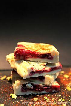 Sándwich(es) de chocolate y coulis de frambuesa y menta