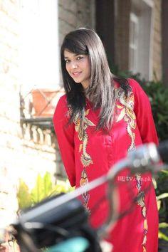 sanam jung dresses Ayeza Khan, Most Beautiful People, Pakistani Actress, Celebs, Celebrities, Pakistani Dresses, Actors & Actresses, Celebrity Style, Hair Cuts