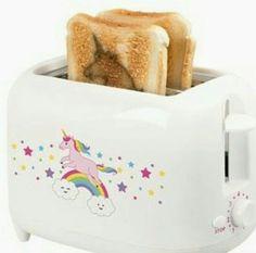 Omg the toast actually has the imprint of the unicorn! How cute💞 I Am A Unicorn, Unicorn Foods, Unicorn Art, Unicorn Gifts, Magical Unicorn, Rainbow Unicorn, Unicorn Room Decor, Unicorn Bedroom, Objet Wtf