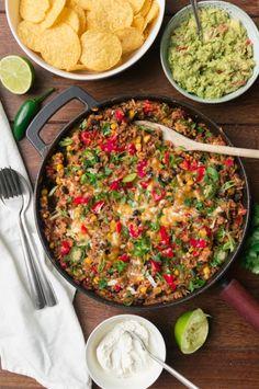 burritobowl in een pan Diner Recipes, Mexican Food Recipes, Quick Healthy Meals, Healthy Recipes, Grilling Recipes, Cooking Recipes, Food Porn, Tapas, Comfort Food