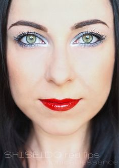 inšpirácia na líčenie od Monica In Essence RED LIPS with Shiseido Sanquine Clear Winter, Winter Colors, Shiseido, Jewel Tones, Red Lips, Dark Hair, Makeup Looks, Palette, Make Up