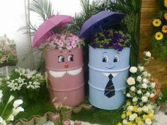 Love this idea for a cute garden feature.